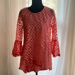 Simply Noelle Daisy pink lace bell sleeve blouse
